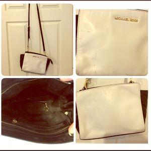 Michael Kors Bags - Michael Kors Black and White Crossbody